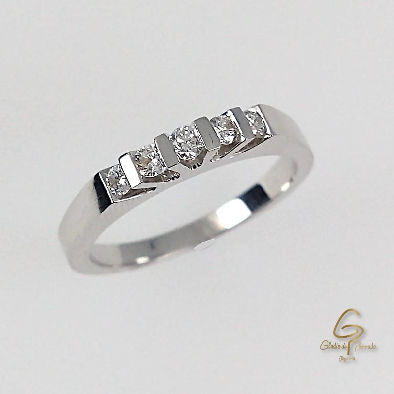 Argolla O.B 18k Cinco Diamantes