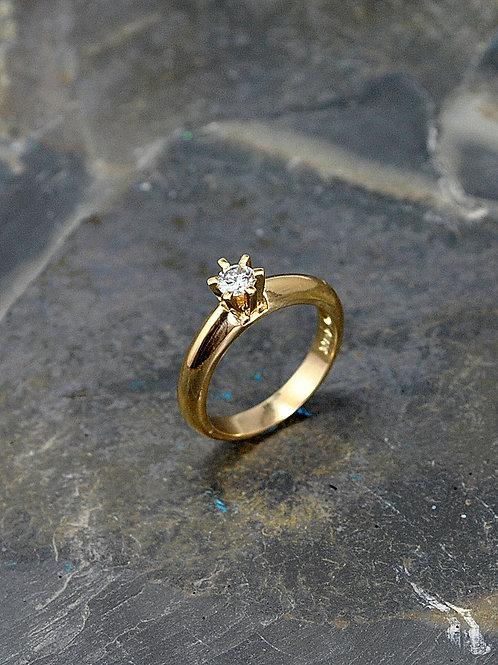 Solitario oro amarillo  18k seis uñas