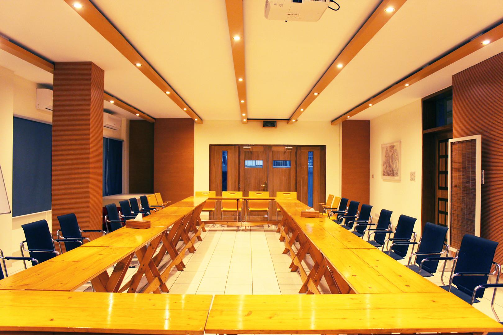 Boardroom_2.jpg
