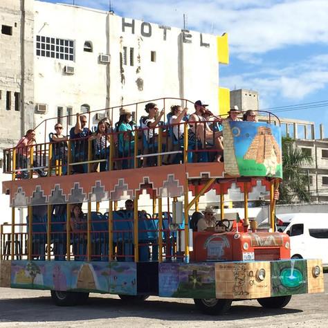 tour-bus-progreso-yucatan.jpg