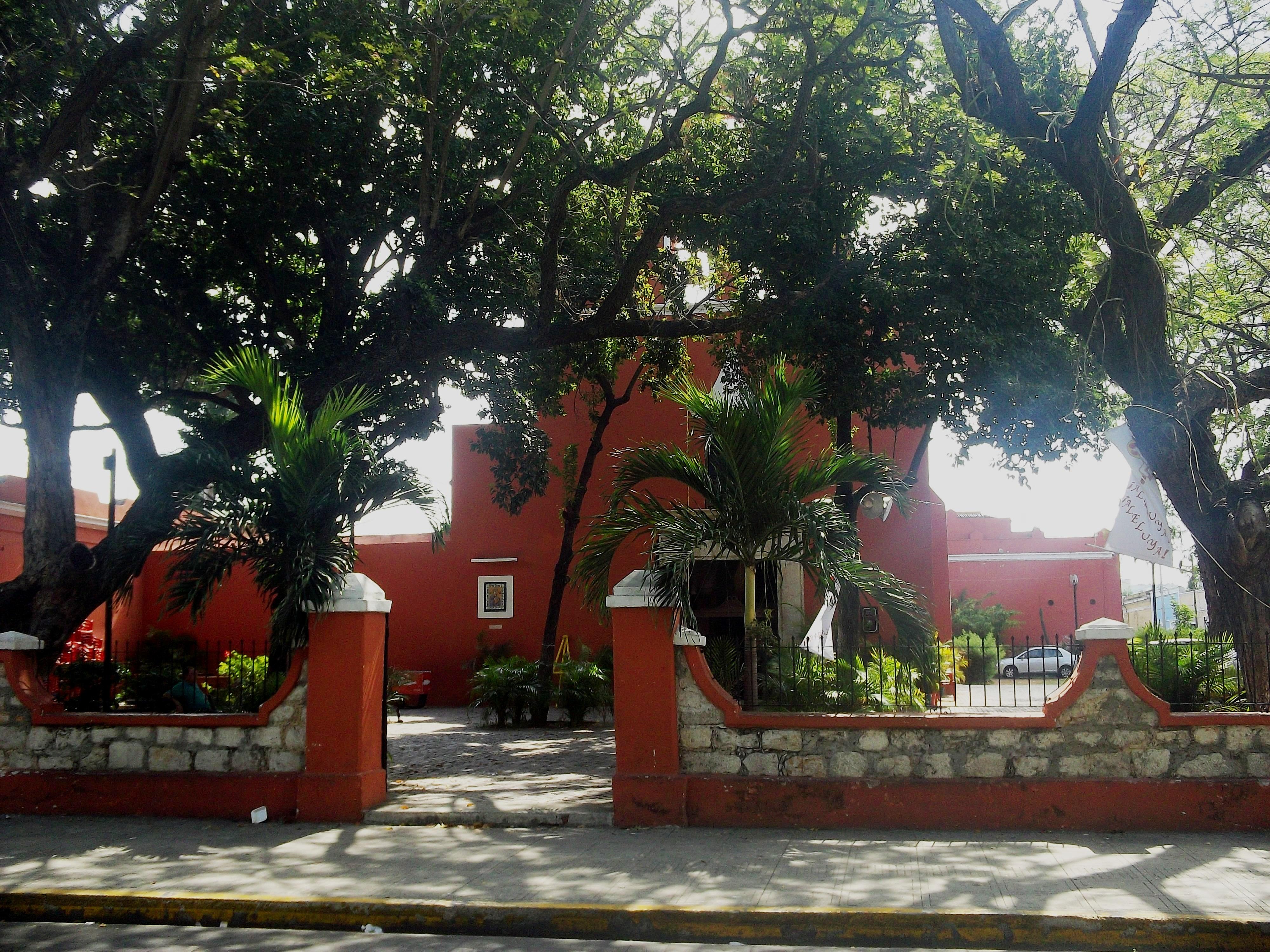 merida-santa-lucia-Iglesia-yucatan
