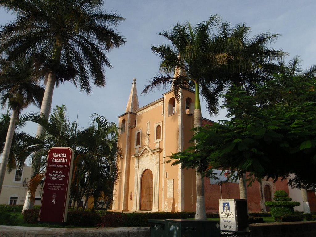 Mérida-churches