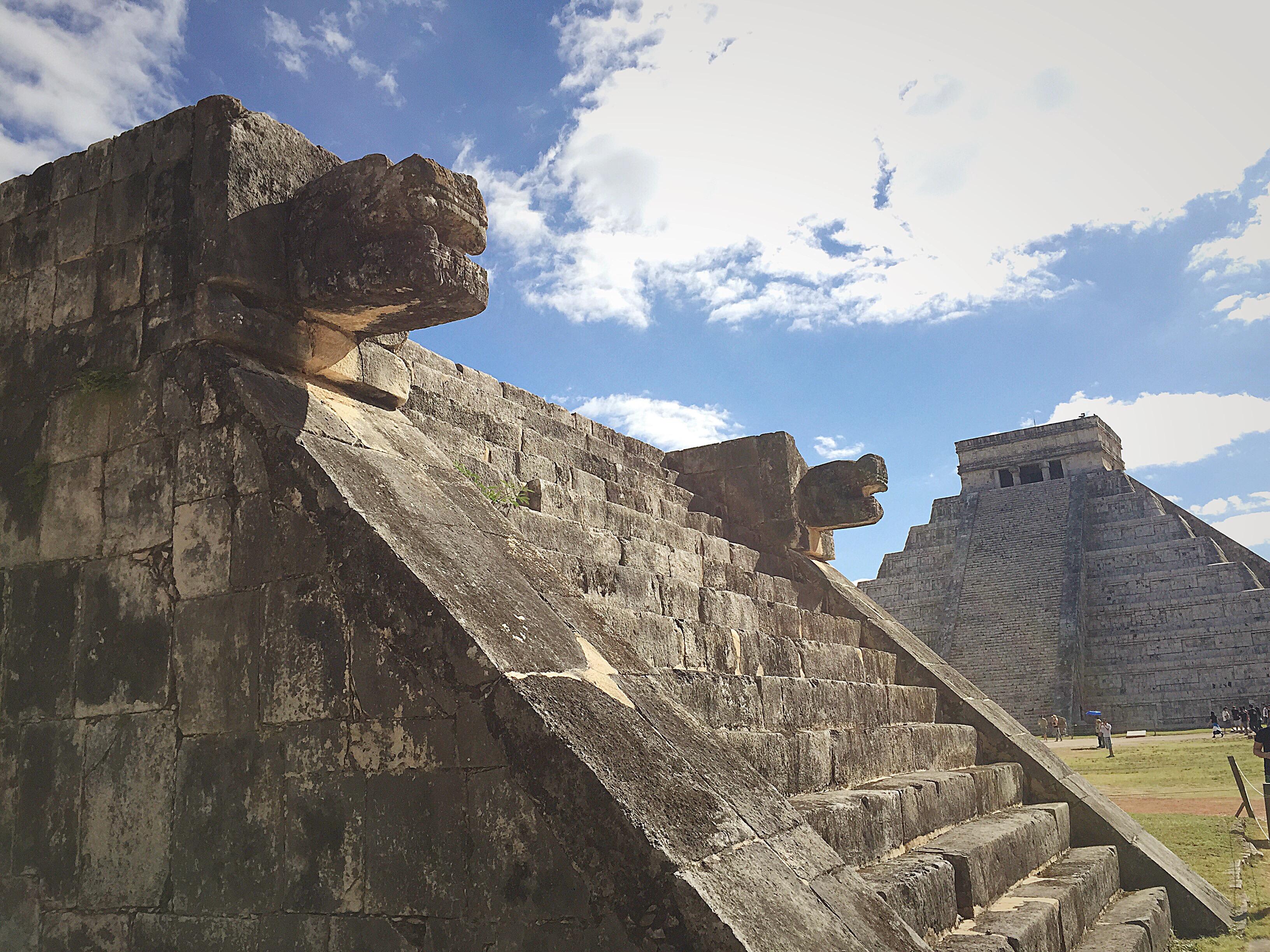 uxmal-yucatan-mayan-ruins-mexico