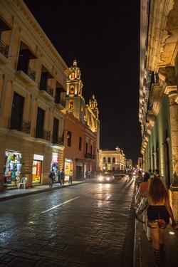 merida-city-night-yucatan