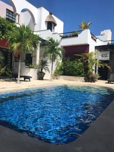 yucatan-mexico-summer-pool