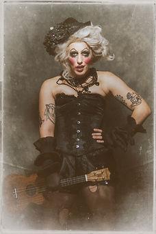 Aunty Mae by Scott Chalmers (3).jpg