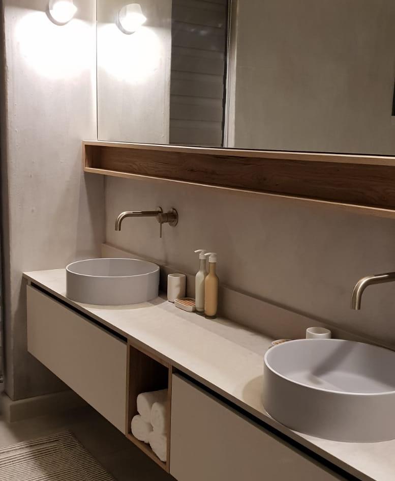 Wildernis bathroom Vanity