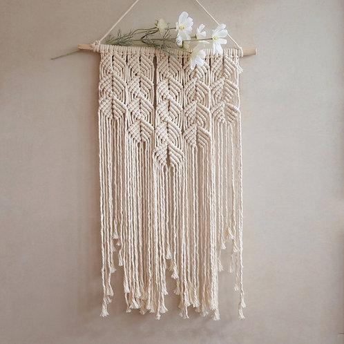 Queen 'Scallop' Wall hanger
