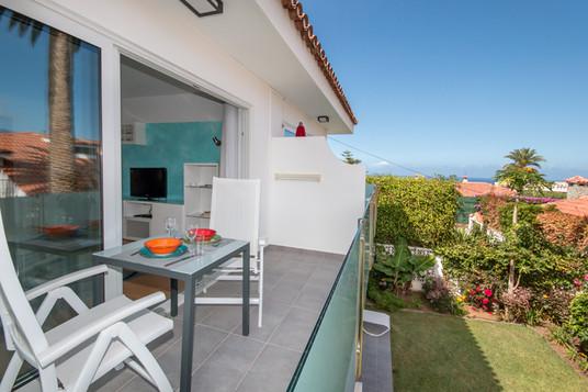 Ausblick vom Balkon zum Meer