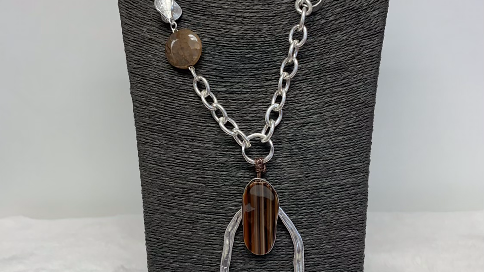 Quirky Metal Stone Necklace
