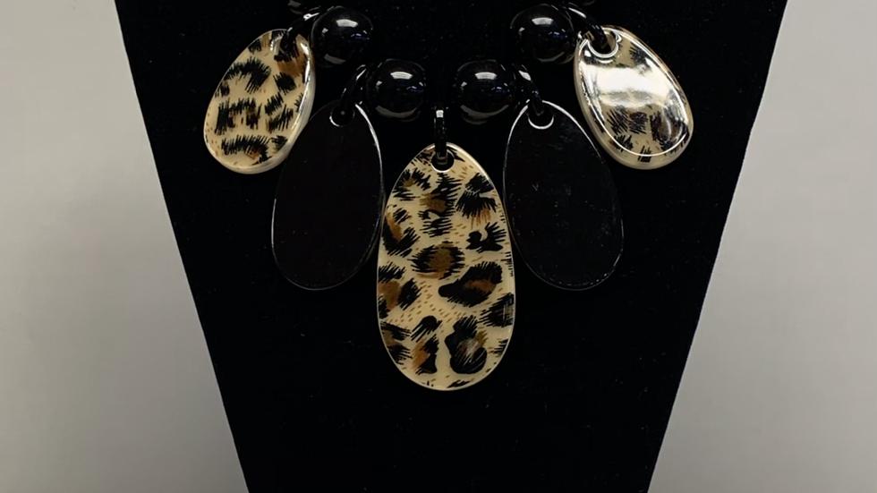 Chunky Leopard Print Necklace