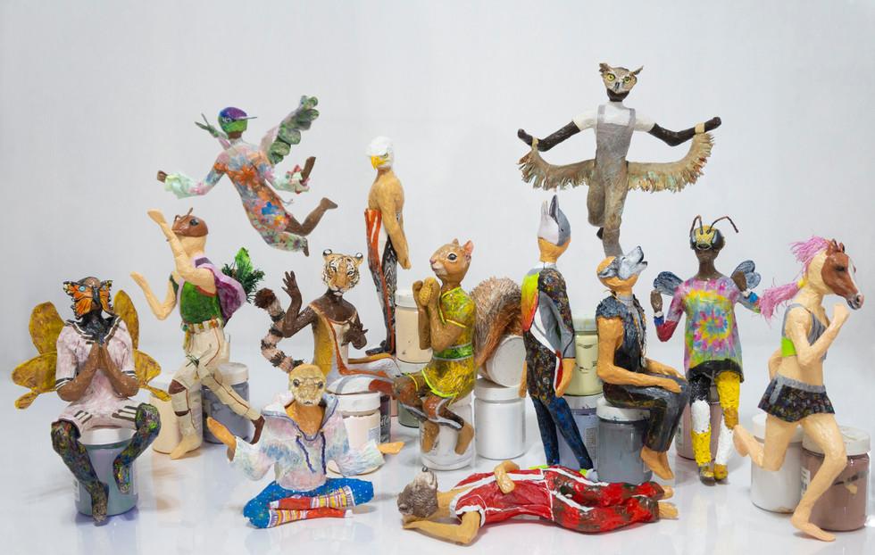 Todas as esculturas dos arquétipos animais reunidas.