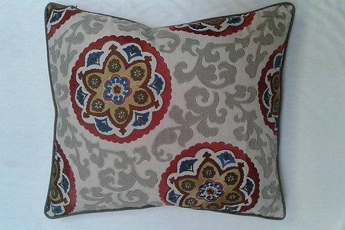Arsari cushion