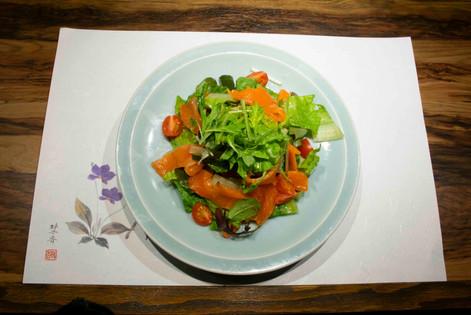 スモークサーモンと野菜のマリネ