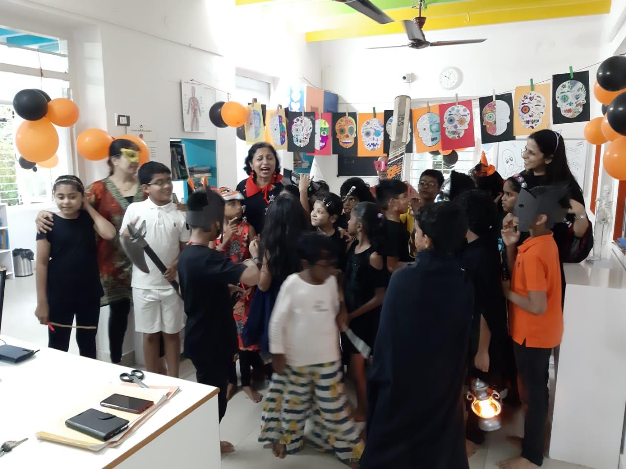 Surprise visit by Smita aunty!