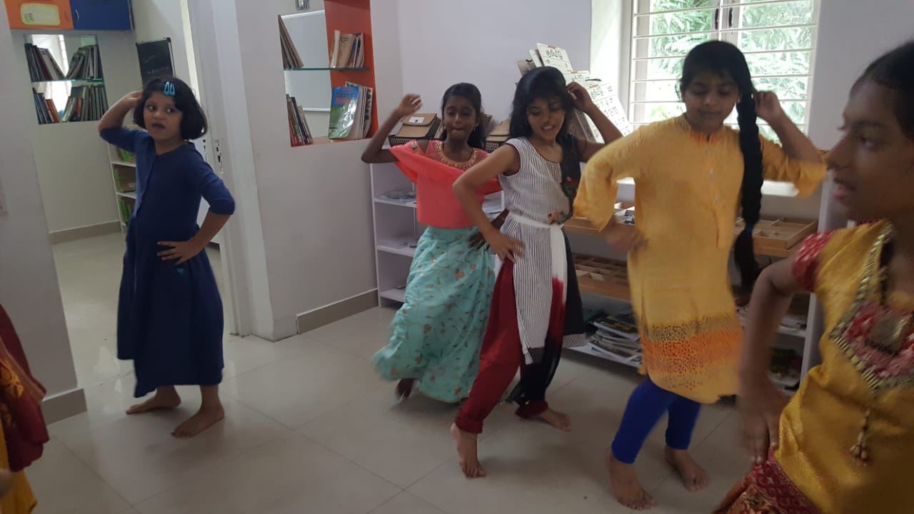 What's Diwali without a little dance