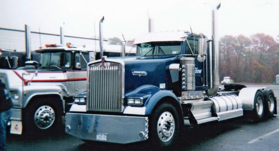 2006 Kenworth tractor