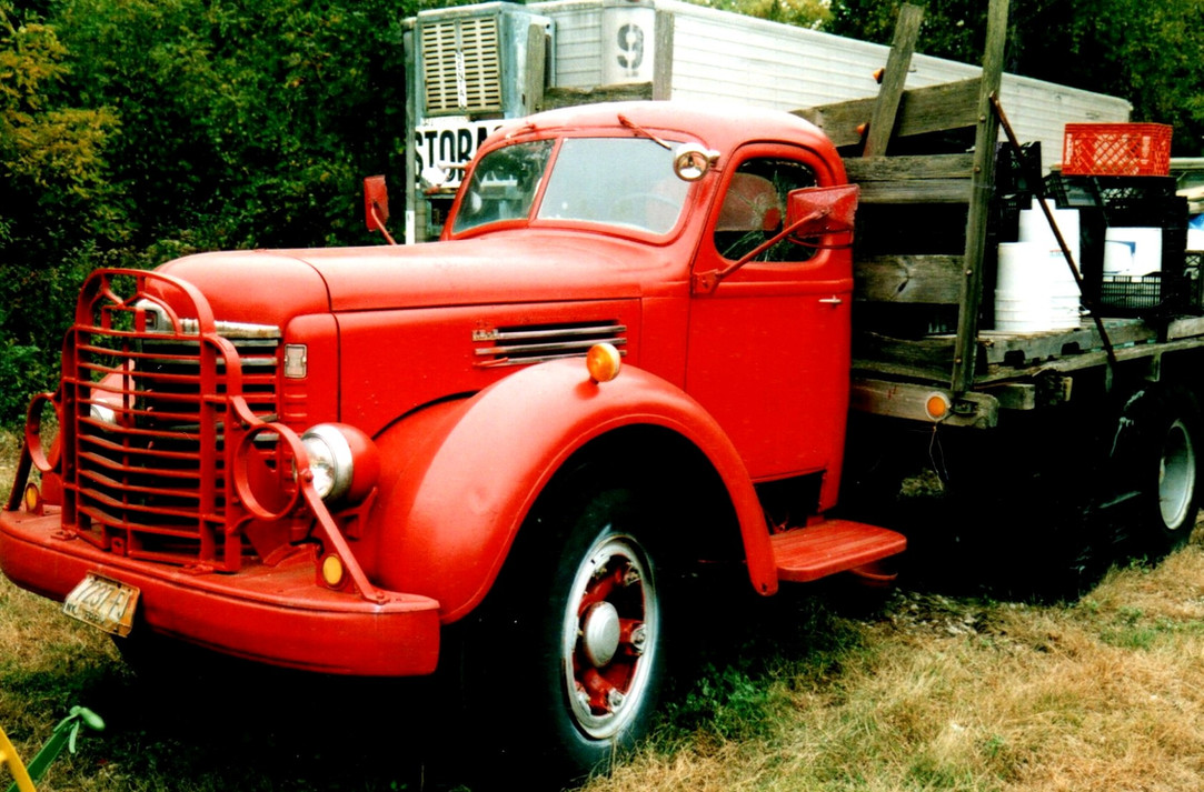 1948 International KB-6 flatbed - Ron Bush
