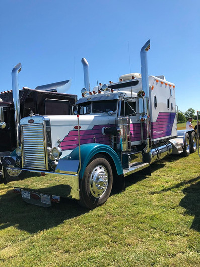 Narrow nose Peterbilt tractor with sleeper
