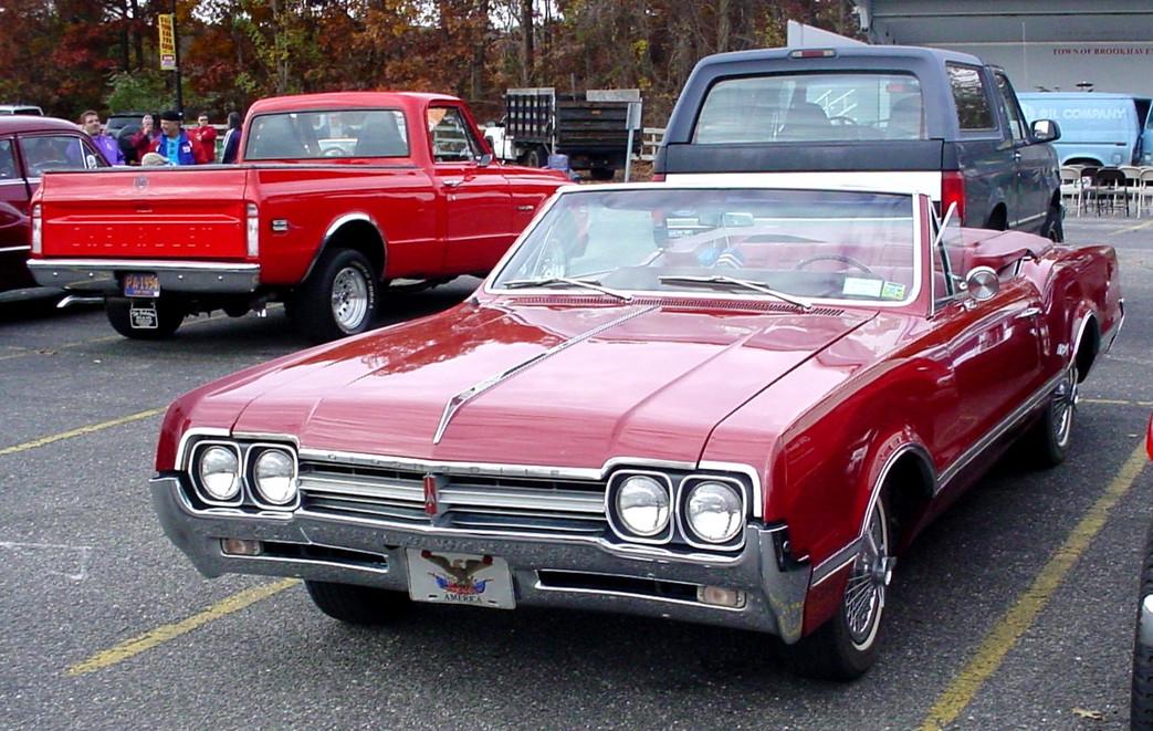 Oldsmobile convertible & Chevrolet pickup