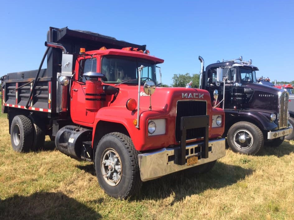 1980 Mack R model dump & 1960 Kenworth S-295 tractor from New Jersey
