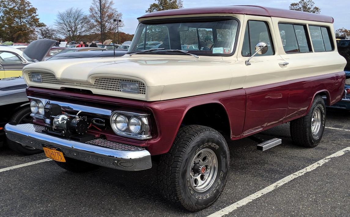 1961 GMC K-1500 Suburban - Joe Disanti