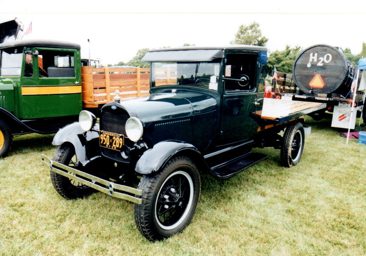 Michael Eliash's 1928 Ford flatbed