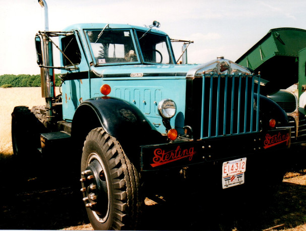 1947 Sterling HC-250H  tractor - Dennis Fleury