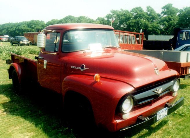 1956 Ford F-350 pickup - Nester Kramer