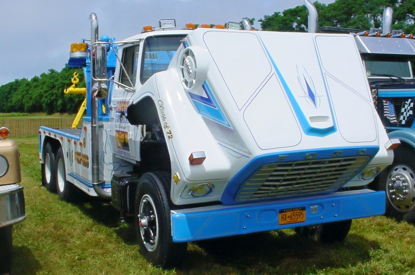 Barry Stanchio's 1972 Ford LT-9000 wrecker