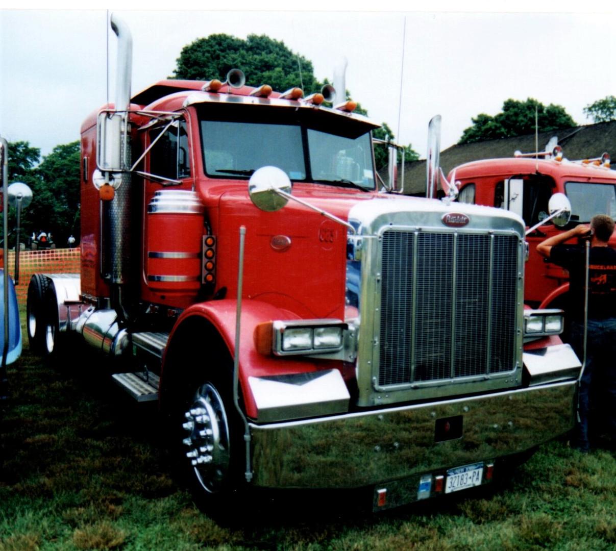 1988 Peterbilt 378 tractor - Jonathan Erb