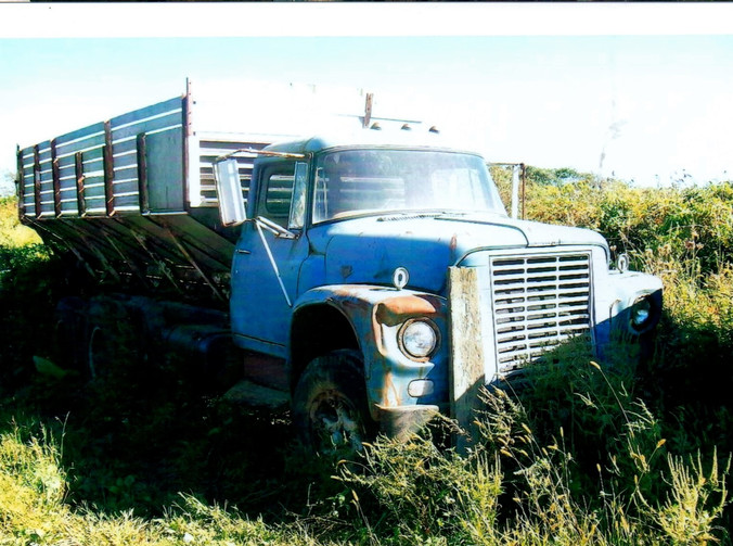 1962-71 International Loadstar potato truck