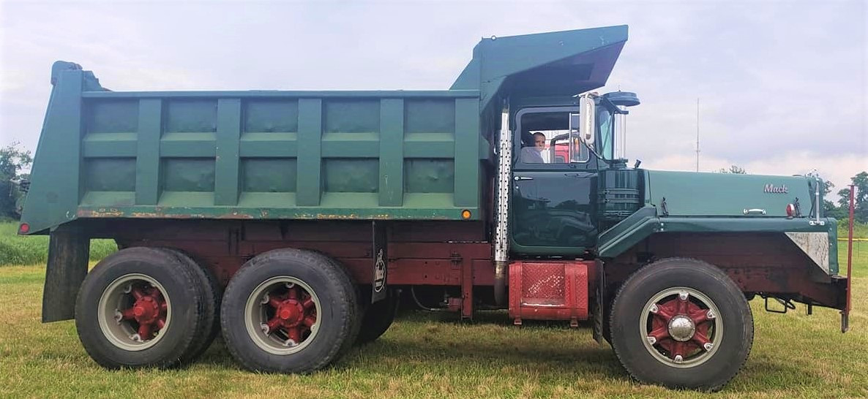 1966 Mack DM-800 dump