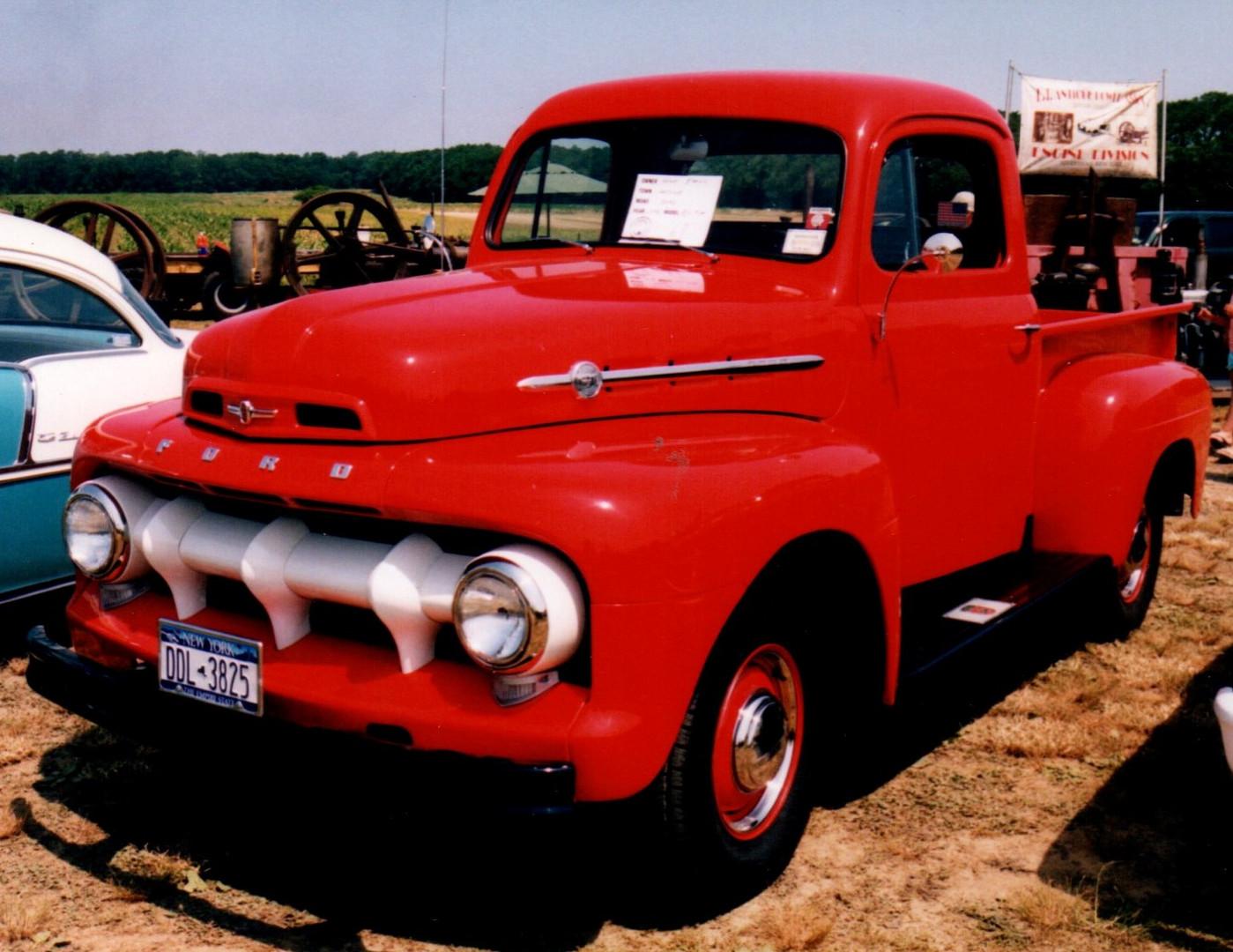 1952 Ford F-1 pickup