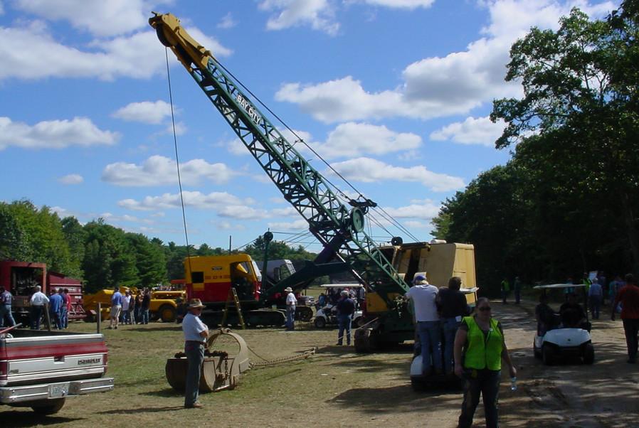 Drag-line crane