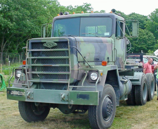 1979 CCC AM General M-916 tractor