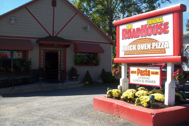First stop- the Orininal Road House Pizza restaurant