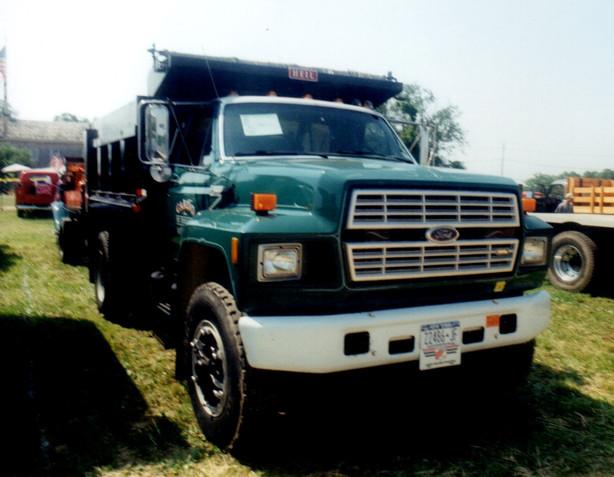 1983 Ford F-800 dump - Carl Cardo