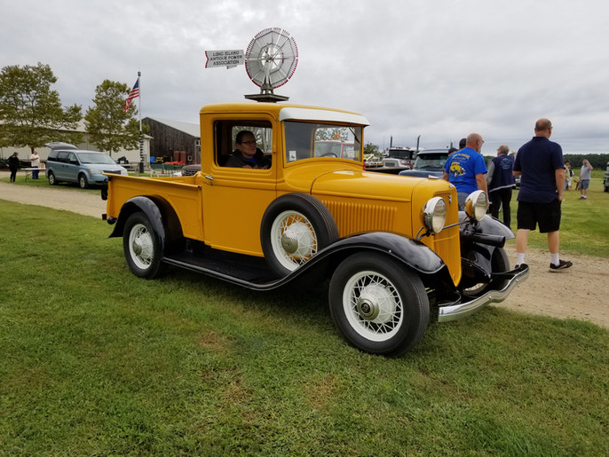 Ron Bruschi's 1933 Ford pickup