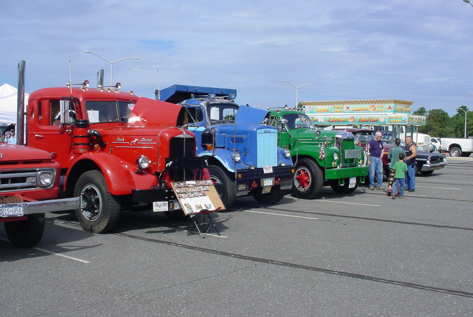Member's trucks on display at the Convoy Big Rig Show
