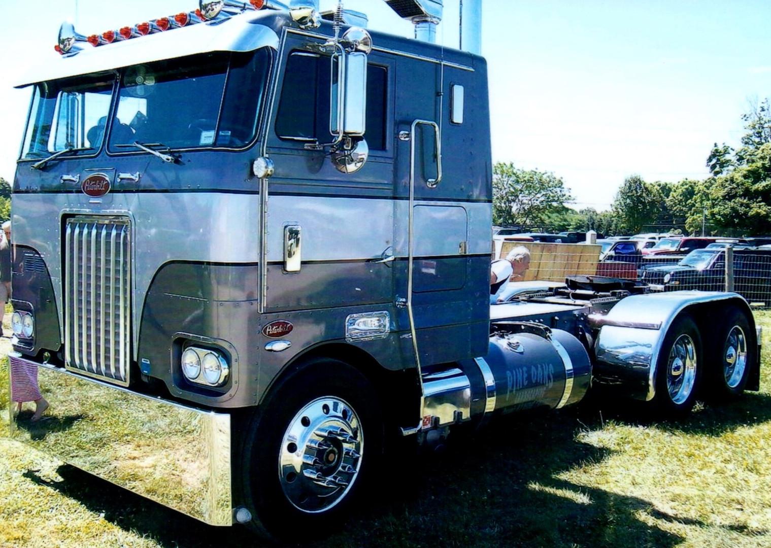 2000 Peterbilt COE tractor - Ken Conroy
