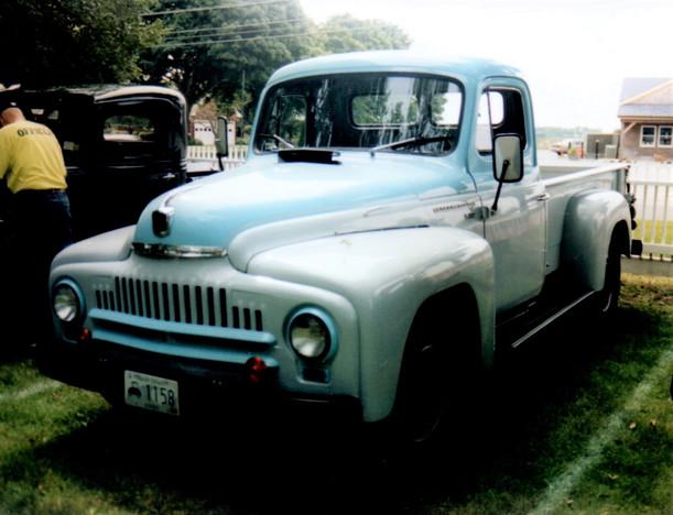 1952 International L-112 pickup