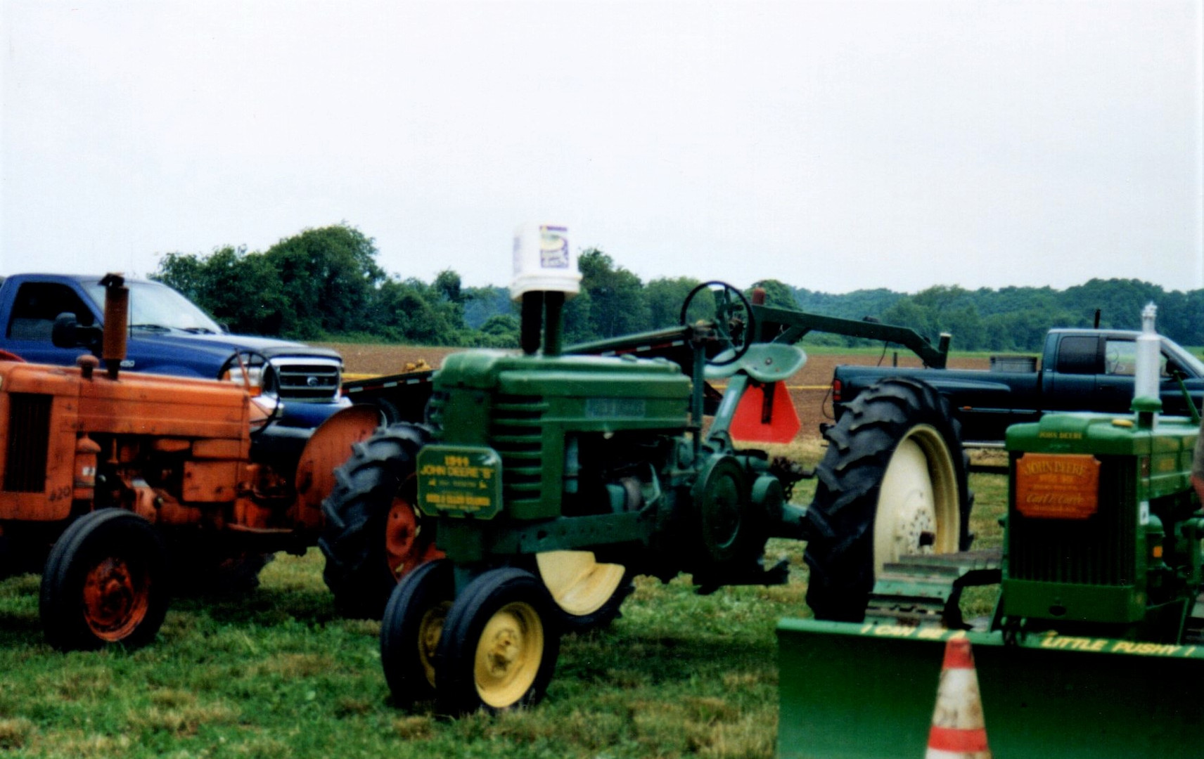 Tractors & crawler on the field
