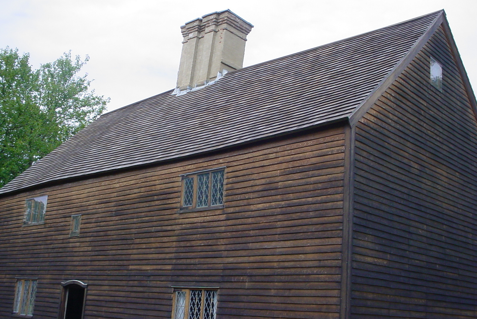 Another view of the 1649 Old House