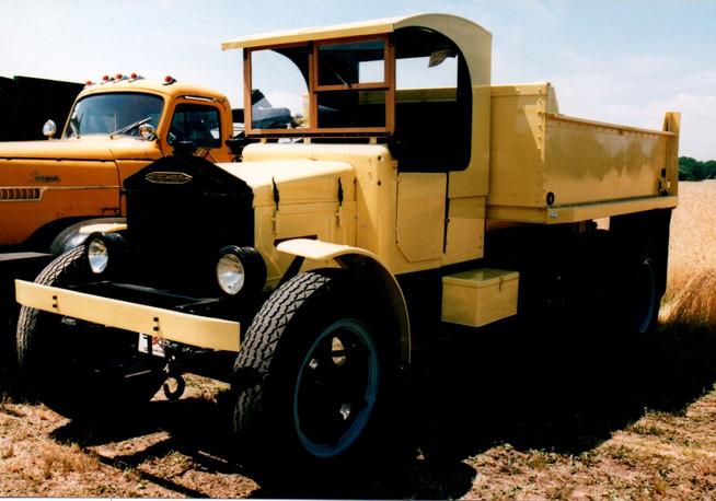 1928 Pierce Arrow R-6 dump - Dennis Fleury