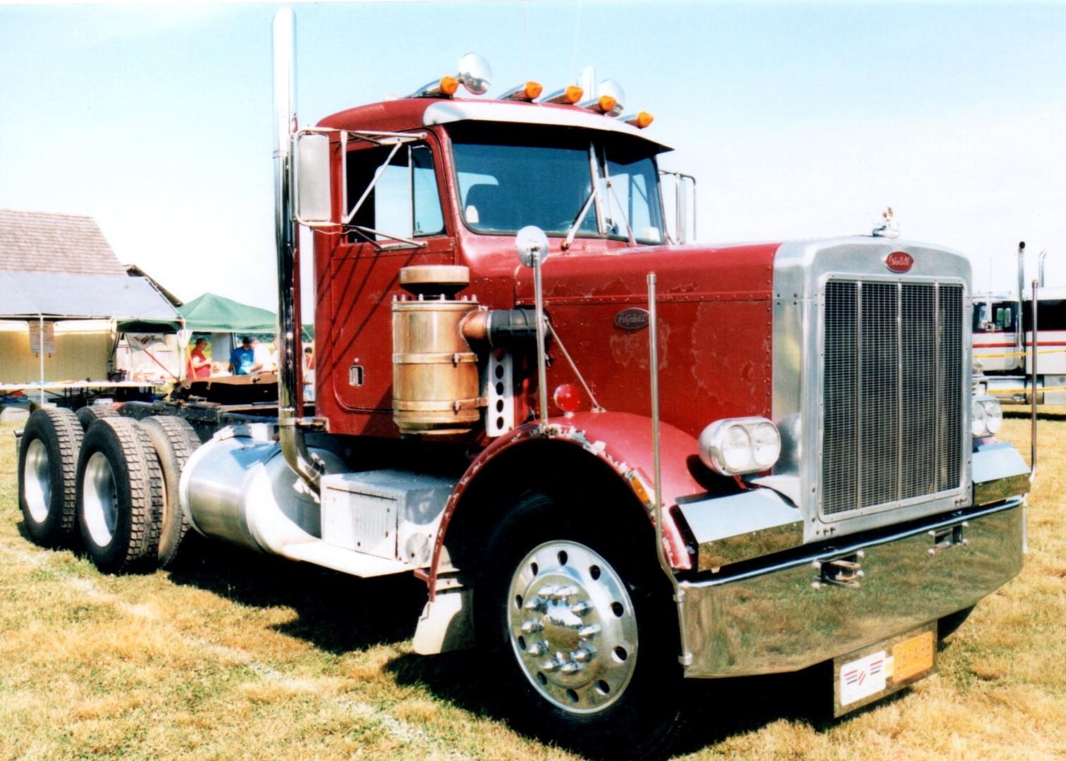 1976 Peterbilt 559 tractor - George Edwards