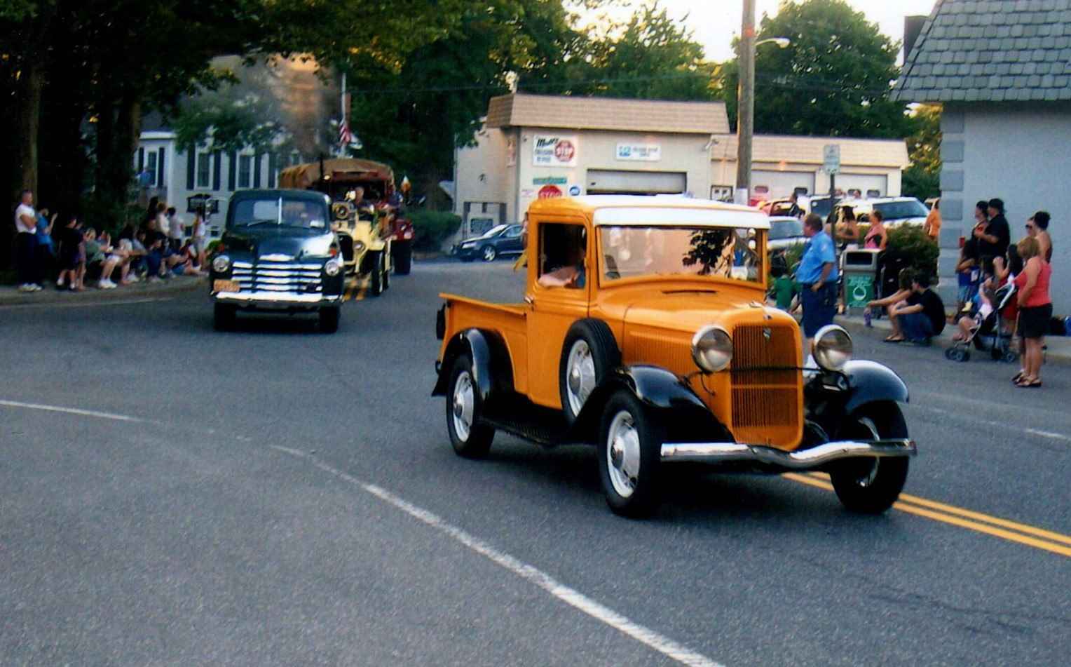 Ron Bruschi's 1933 Ford followed by Jude Petroski's 1948 Chevrolet  & Philip Huntingtons 1923 Brockway