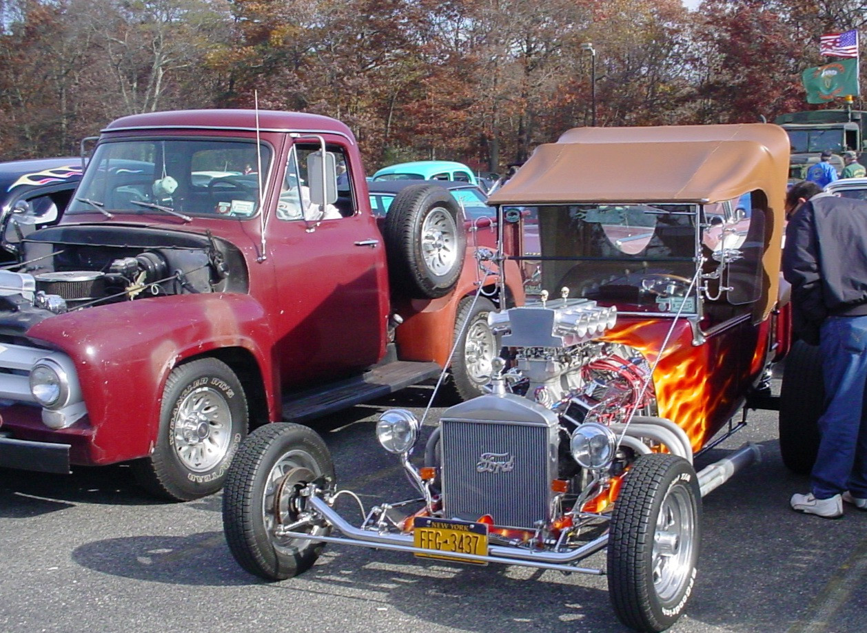 Ford T-Bucket street rod & 1955 Ford pickuo