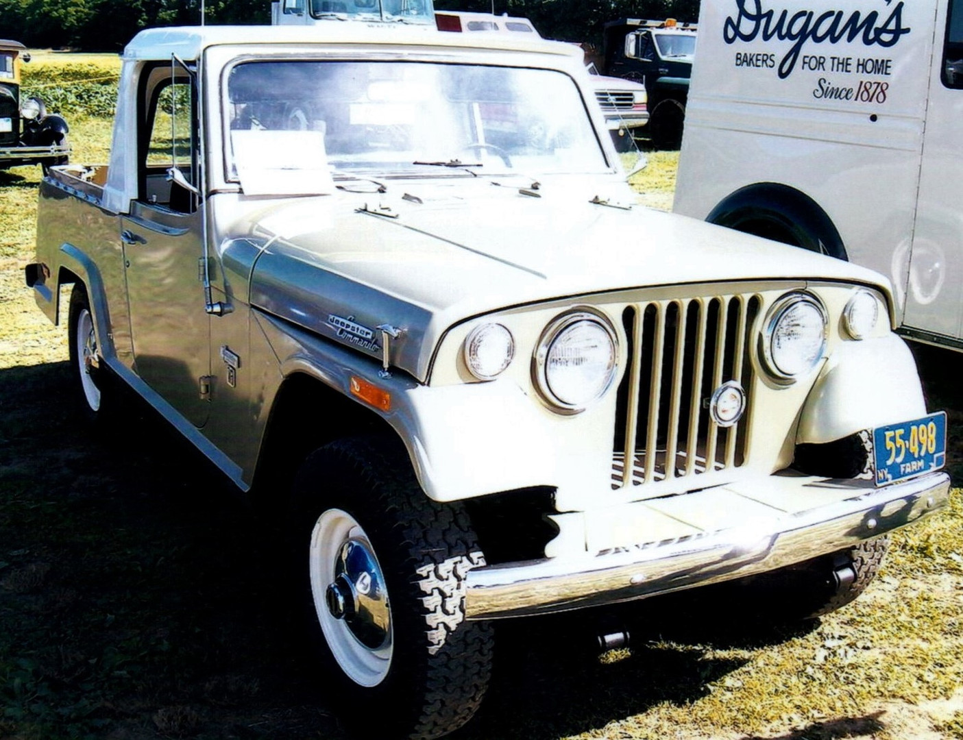 1971 Willys Jeepster Commando 1/2 top