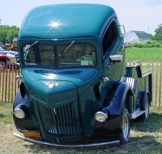 Floyd Chivvis' 1947 Ford COE wrecker